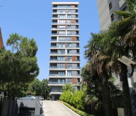 Kuğu Apartmanı, Kadıköy