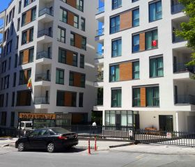 Uzunay Apartment, Gayrettepe